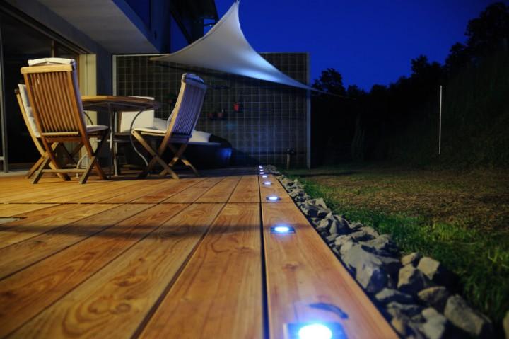 Bodenstrahler für die Terrassenbeleuchtung